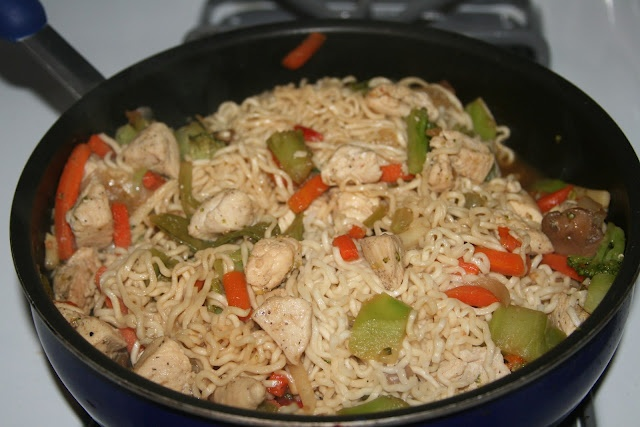 Quick and Easy Cheater Chicken lo mein | Recipes | Pinterest