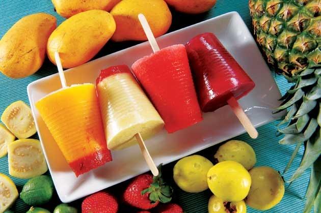 paletas - Mexican frozen fruit ice pops | snack treats | Pinterest
