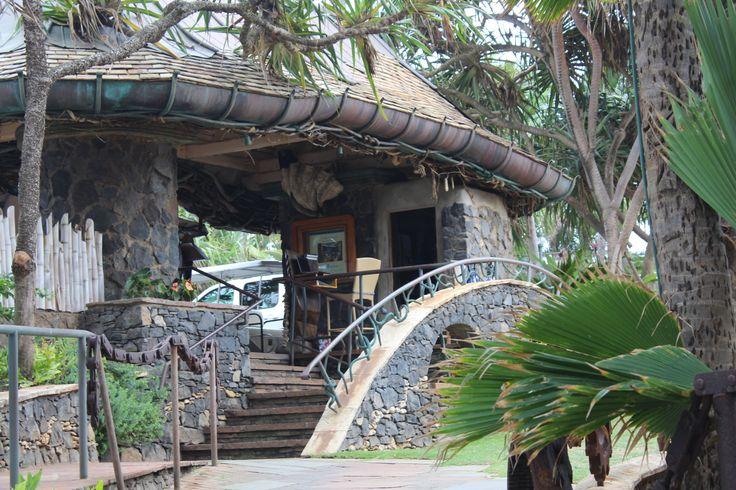 Mama 39 s fish house paia maui maui places to eat drink for Fish house maui