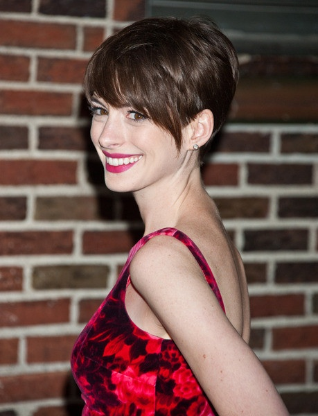 anne hathaway growing out hair pinterest
