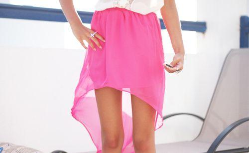 pink skirt.