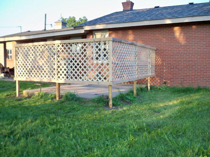 Diy lattice fence diy fencing pinterest for Using lattice as fencing