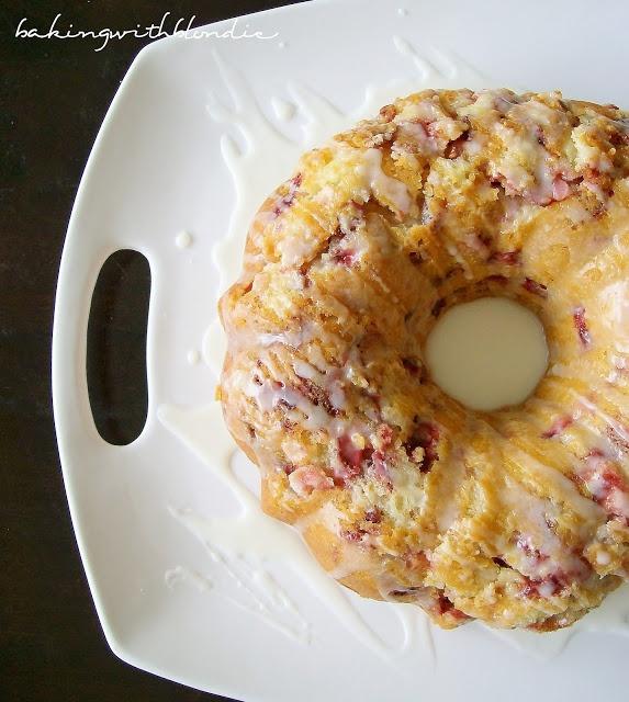Baking with Blondie : Fresh Strawberry Yogurt Cake.... This is what I ...