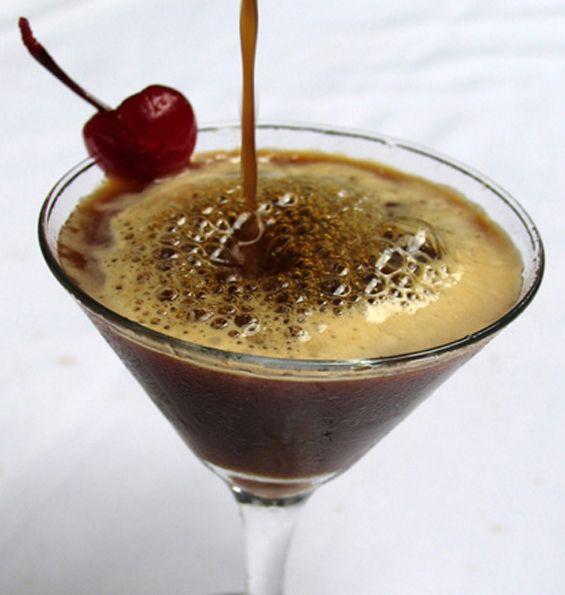 Espresso Martini Recipe-a coffee martini?! Wow, this is great.