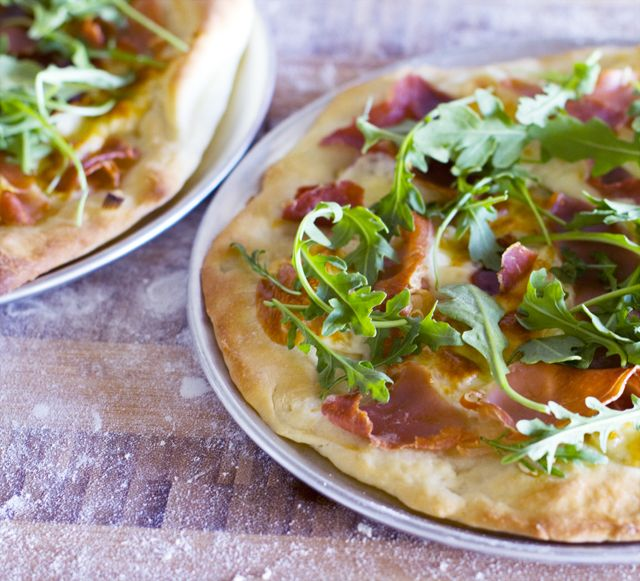 Prosciutto and arugula pizza | Pizzas & Salty tarts | Pinterest