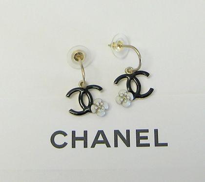 Chanel earrings so cute but i like jewelry pinterest