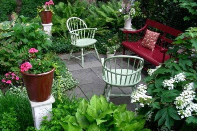 Via redesign fb my backyard garden pinterest for Redesign my garden