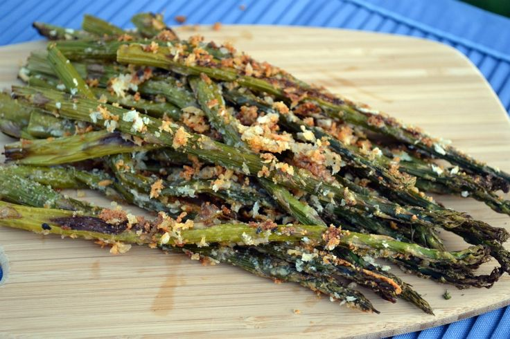 Roasted Asparagus with Panko and Parmesan http://www.jerseygirlcooks ...
