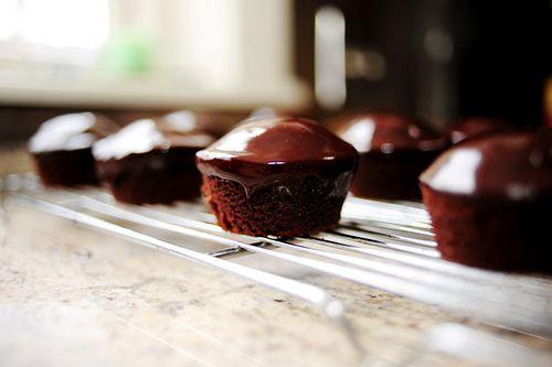 Chocolate sheet cake recipe and chocolate ganache by Ree Drummond ...