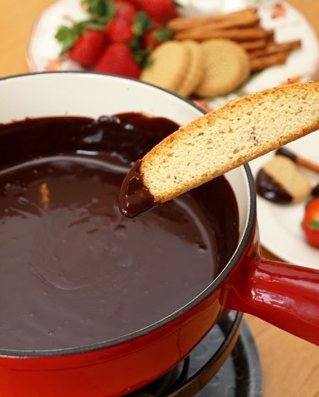 chocolate fondue | Food: Desserts | Pinterest