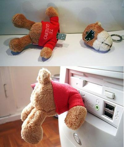 USB teddy bear holds data, scares children.