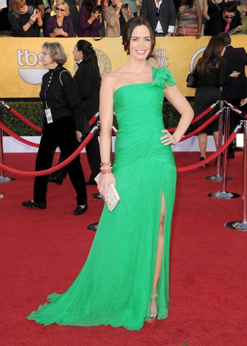 Emily Blunt wears Oscar de la Renta