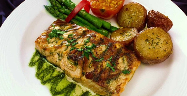 Pesto Salmon with grilled vegetables