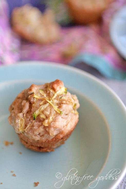 Maple-sweetened Almond & Zucchini Muffins - A sweet treat mini muffin ...