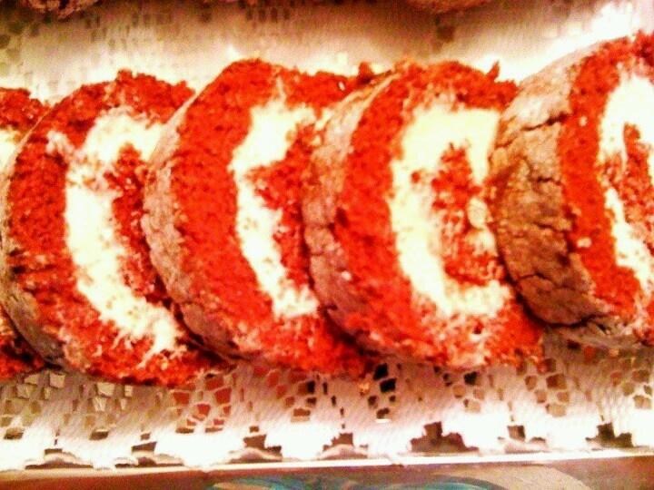 Red Velvet Cake Roll | FOOD: Cakes Gone Wild! | Pinterest