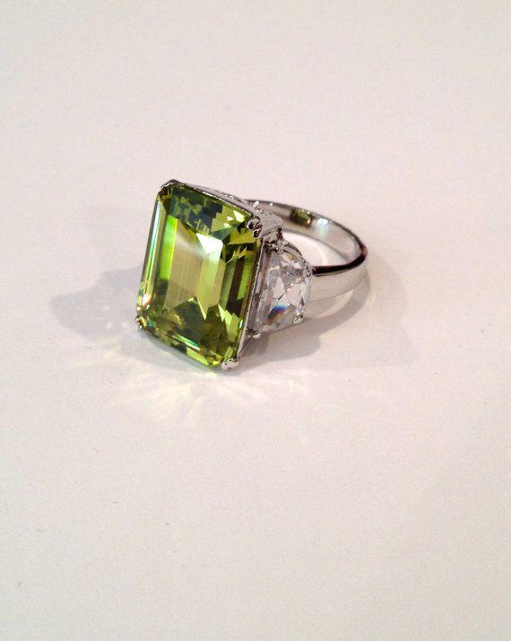 vintage emerald cut peridot three estate jewelry ring
