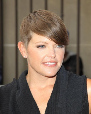 Natalie maines shaved head