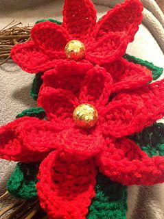 Poinsettia ~ free pattern