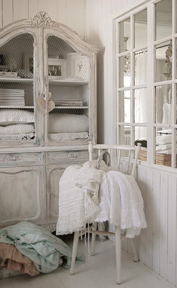 Would love to have a cute china hutch type of furniture piece in my s.b. room for storing craft supplies