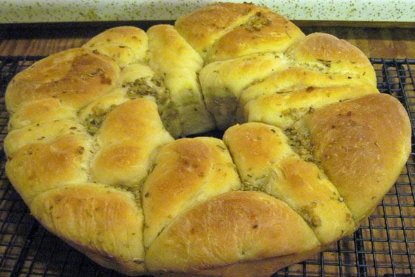 Garlic Herb Monkey Bread:Oven-Baked Breads. I think I can do this with ...