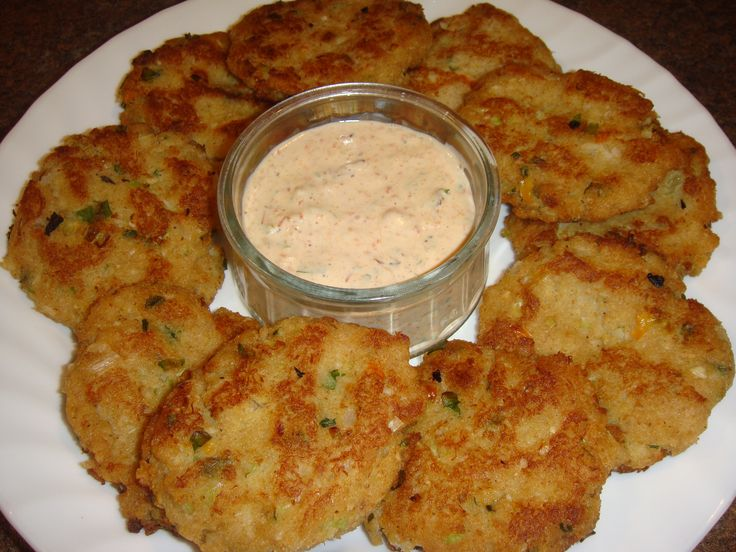 Crab Cakes with Red Pepper Mayo dip