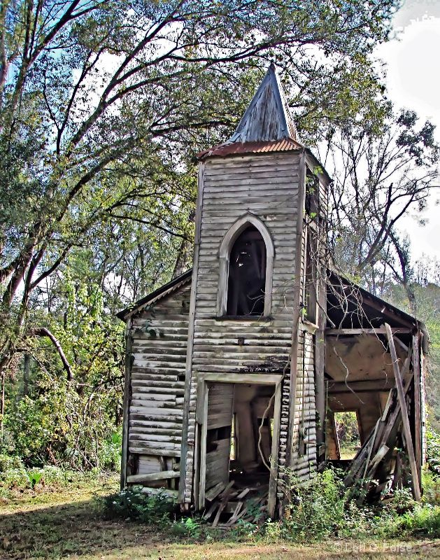 Old run down church something beautiful and old pinterest - Homes in old churches ...