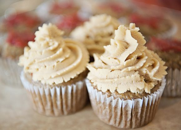 Banana cupcakes with strawberry filling and peanut butter frosting ...