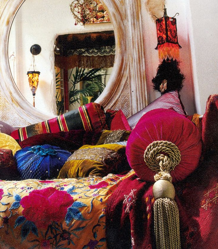 Bohemian style cushions on a daybed rich fabrics and for Bohemian style daybed