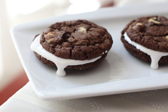 Black and White Cookie S'mores - great Paula Deen recipe. #chocolate # ...