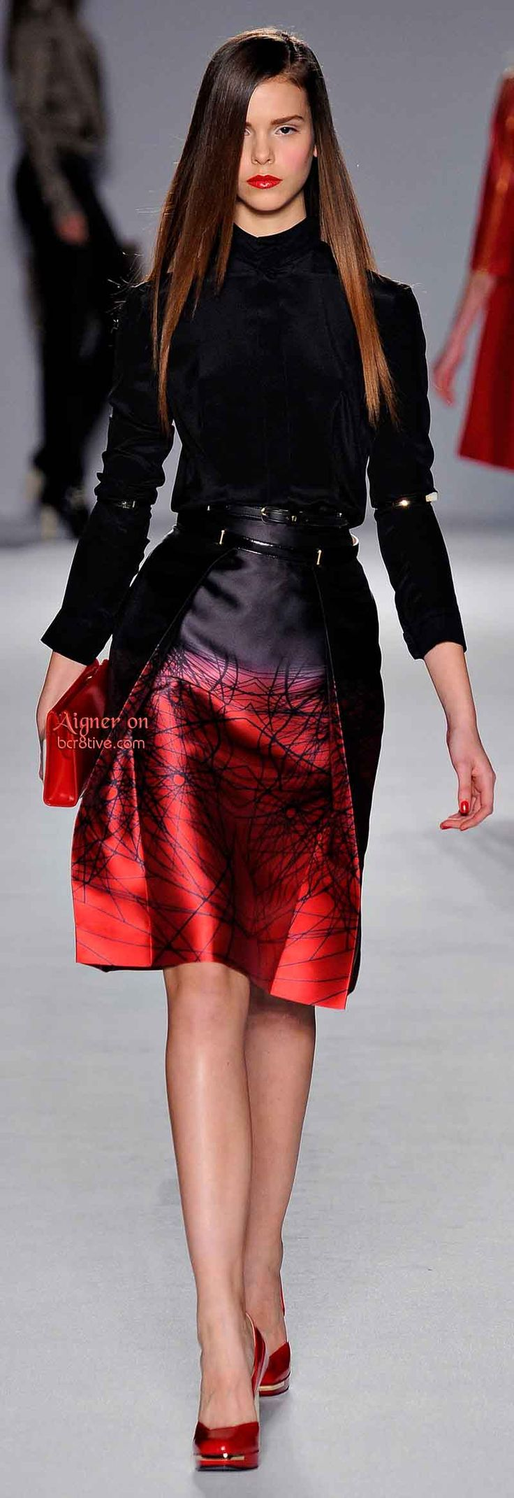 Aigner Fall Winter 2014-15 RTW Two of my favorite colors and it's fresh and fierce. How I hope to dress one day :) Whenever I can afford it.