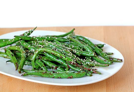 Blistered Green Beans w/ Ginger & Garlic | Fia veggies | Pinterest