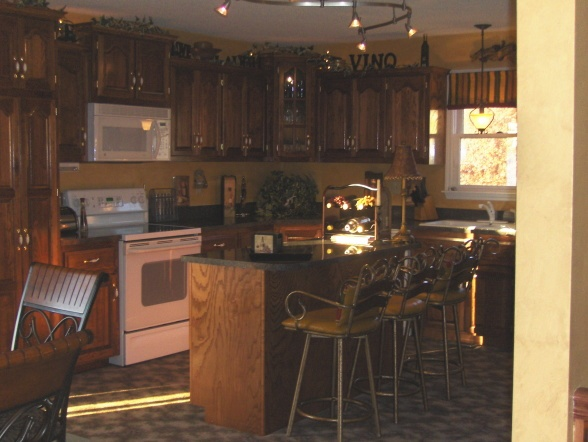 Italian cafe style kitchen dining room kitchen cafe for Cafe themed kitchen ideas