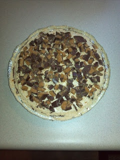 Smooth and Creamy Peanut Butter Pie | Drinks and Sweets | Pinterest