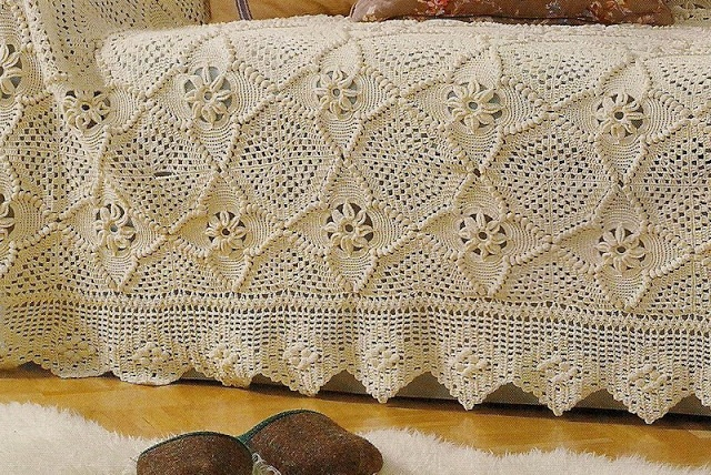 Colcha de Motivos em Croche | Receitas de Croche - bed spread with chart for squares - Nice site with lots of good projects and charts