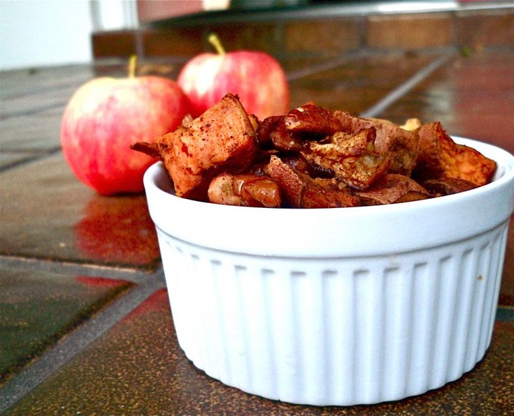More like this: roasted sweet potatoes , potatoes and apples .
