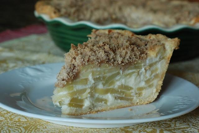... dessert idea - alternative to hot apple pie -Apple Sour Cream Pie