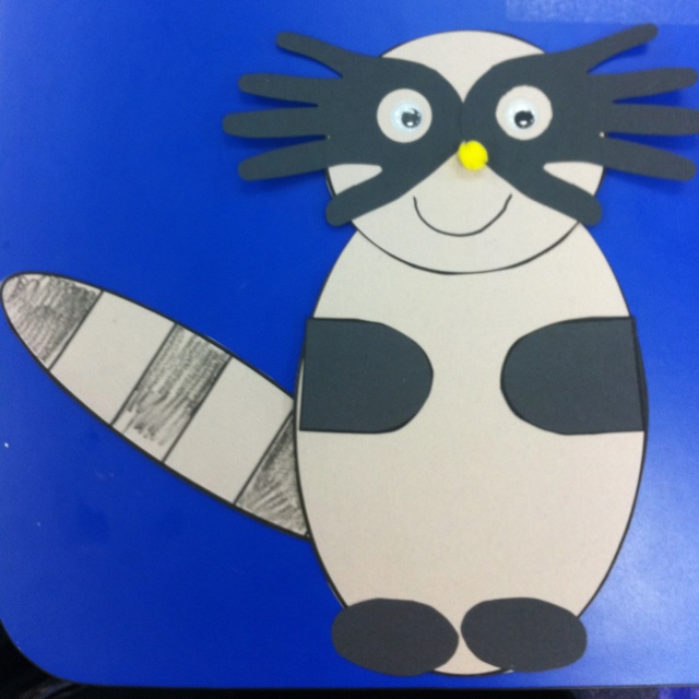 Preschool raccoon craft