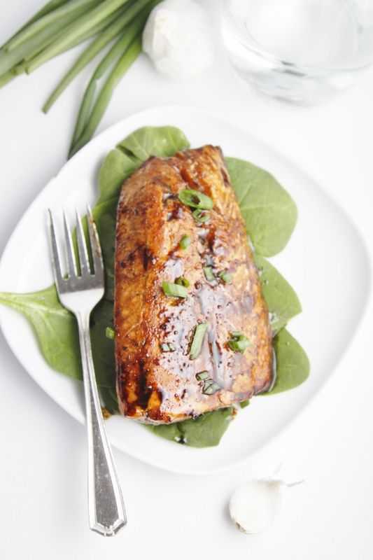 Balsamic and Raisin Glazed Salmon | Recipe