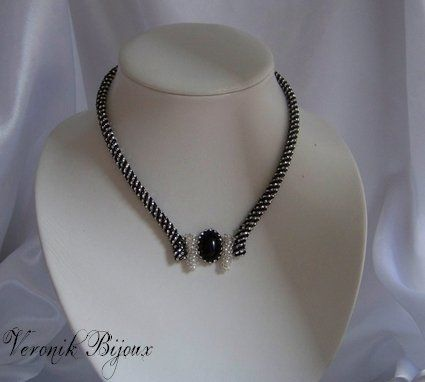 Images About Colliers On Pinterest Bijoux Right Angle Weave And Diy Jewelry