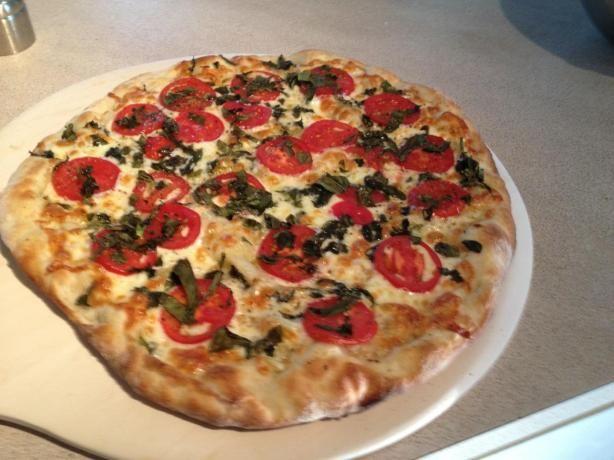 Margherita Pizza (Pizza Margherita) Yummy! Yummy! Yummy! Drizzle pesto ...