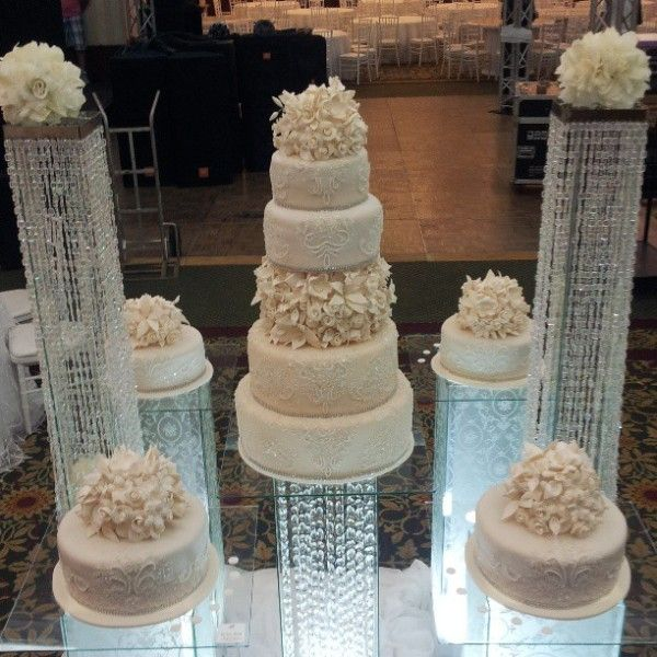 wedding cakes with separate tiers
