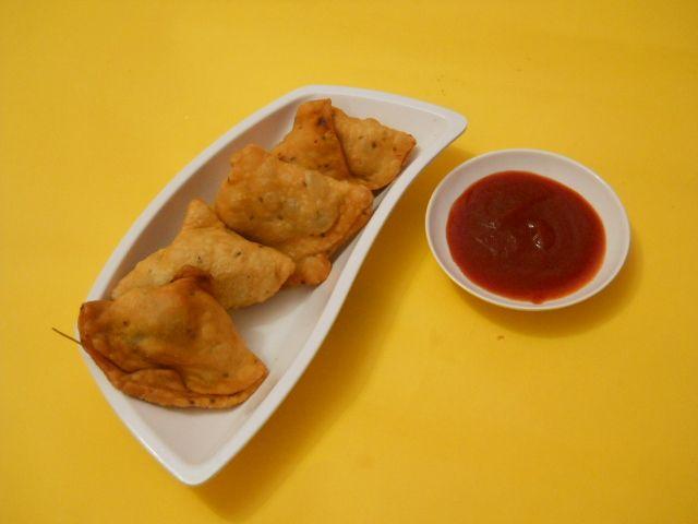 samosas recipes yummly in phyllo potato samosa phyllo triangles phyllo ...
