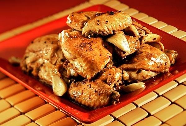 crock pot chicken adobo | nomnomnom | Pinterest