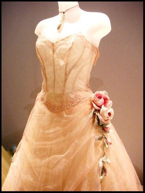 Italian dentelle wedding dress italy wedding day pinterest for Vintage italian wedding dresses