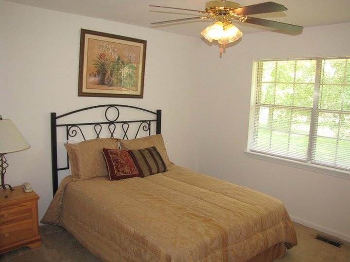 Master Bedroom With Ceiling Fan Dorchester Gardens Apartments Pin