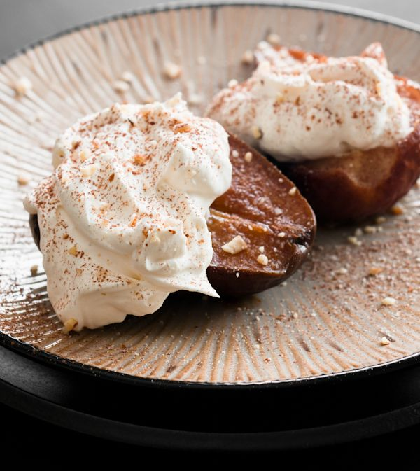 Vanilla Roasted Pears with Amaretto Mascarpone. Makes me impatient for ...