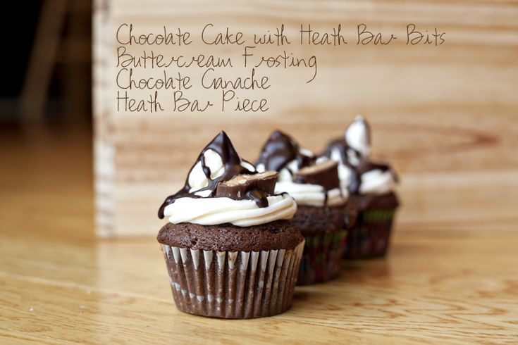 Heath Bar Cupcakes recipe from Just Everyday Me - dang these look good ...