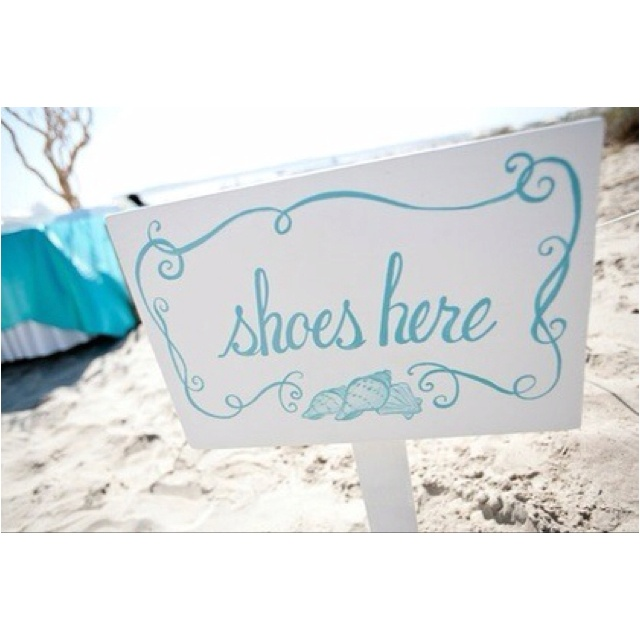 Shoes here sign❕