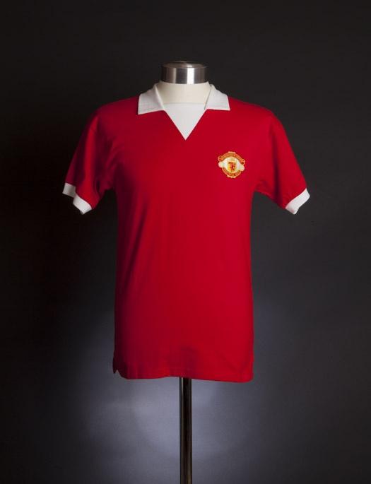 manchester united shirt deal