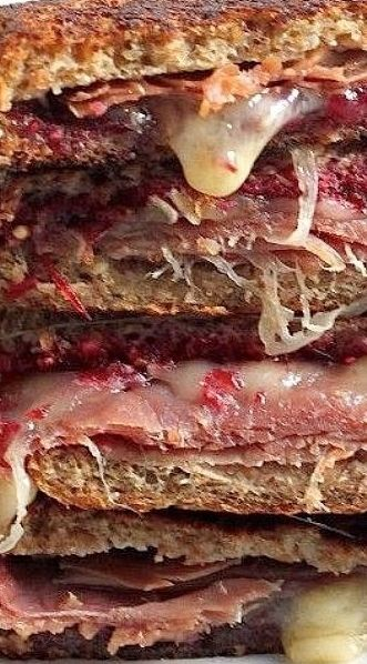 Cranberry Brie Prosciutto Grilled Cheese